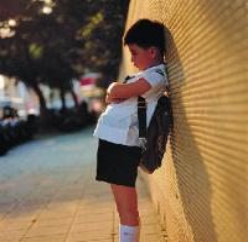 儿童自闭症的发病原因有哪些
